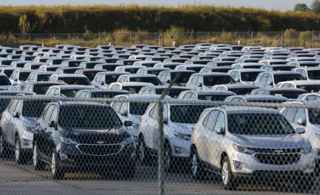 GM cars waiting for semiconductor installation